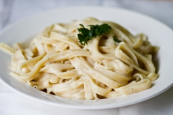 vegan-alfredo-sauce-pasta7